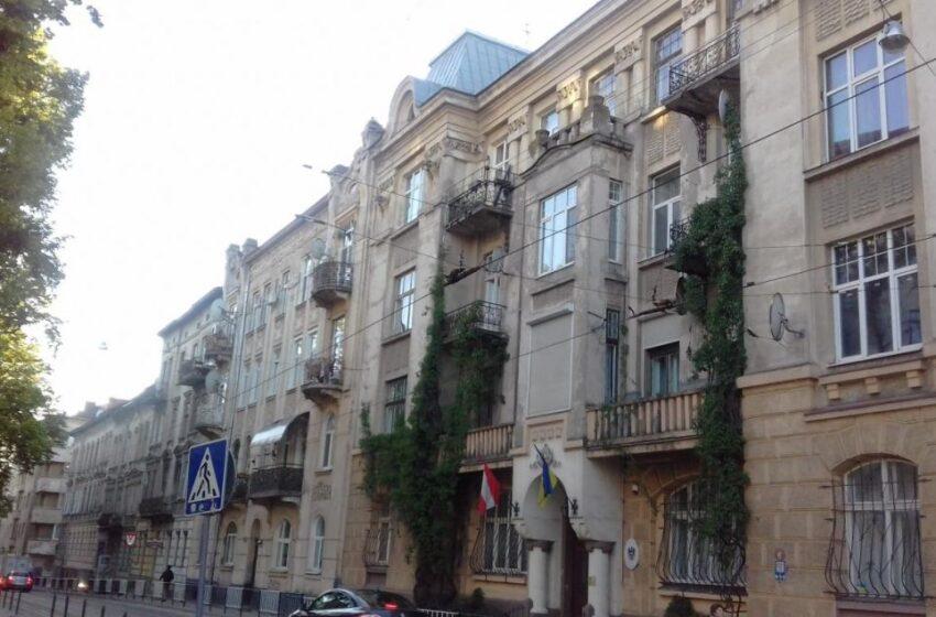 Розпочався наступний етап реставрації фасаду будинку на вул. Чупринки, 6