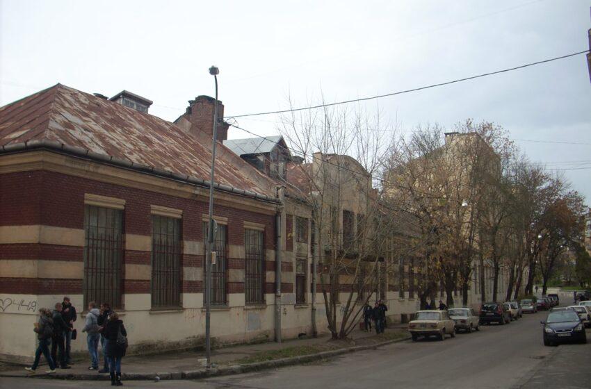У Львові відремонтують дах колишньої промислової школи-пам'ятки на вул. Снопківській